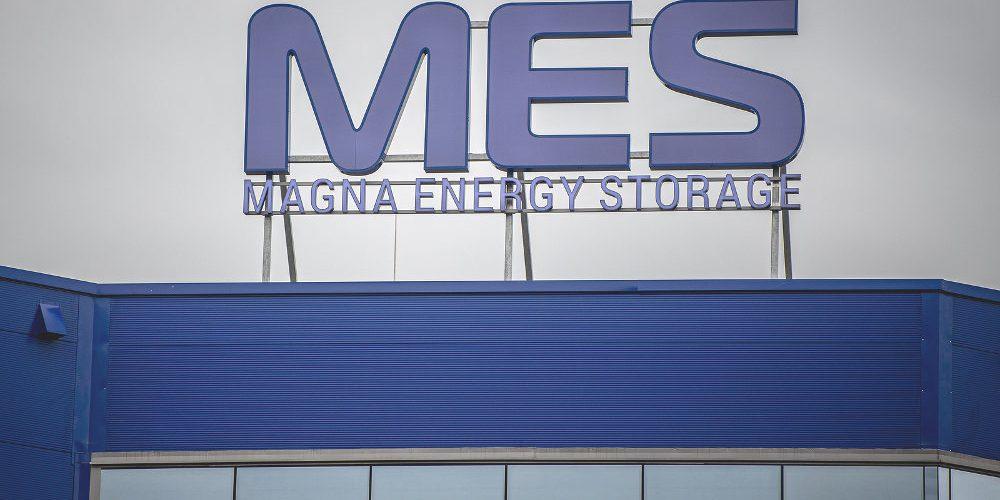 Továrna na unikátní baterie české konstrukce spustila výrobu