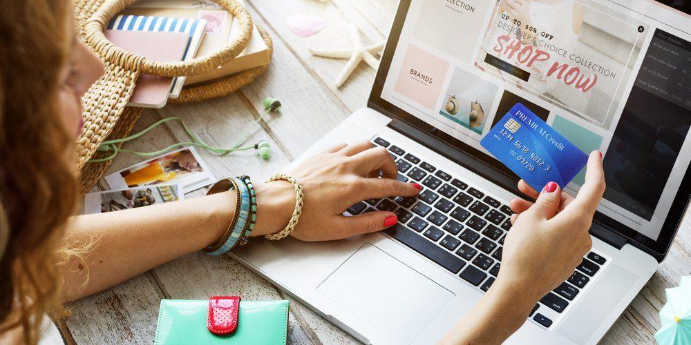 Na internetu nakupovalo v loňském roce 4,8 milionu Čechů